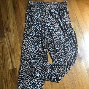 Buttery soft leopard joggers Medium